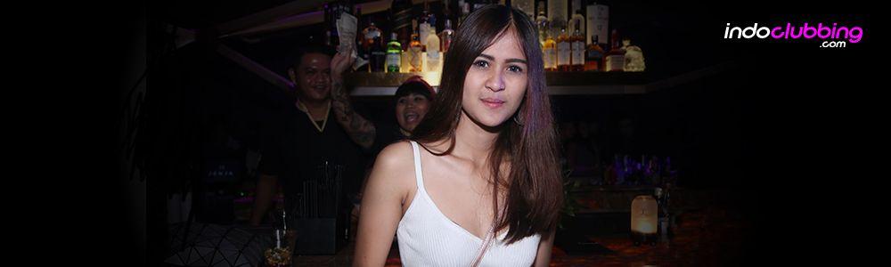 Interview diva tefiena clubber of the week 68 for Terrace karaoke jogja