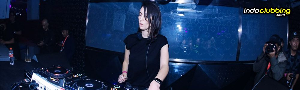 Listing - 5 Best Female Techno DJ's in the world