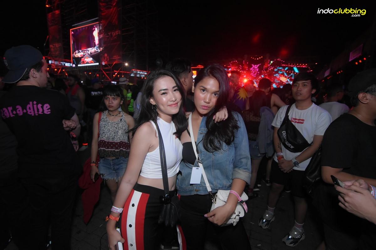 Gallery Girls Of Dwp17 Day 2 Tiket Dwp Djakarta Warehouse Project 2017 Pass Jakarta International Expo Sat 16 Dec 454 Hits